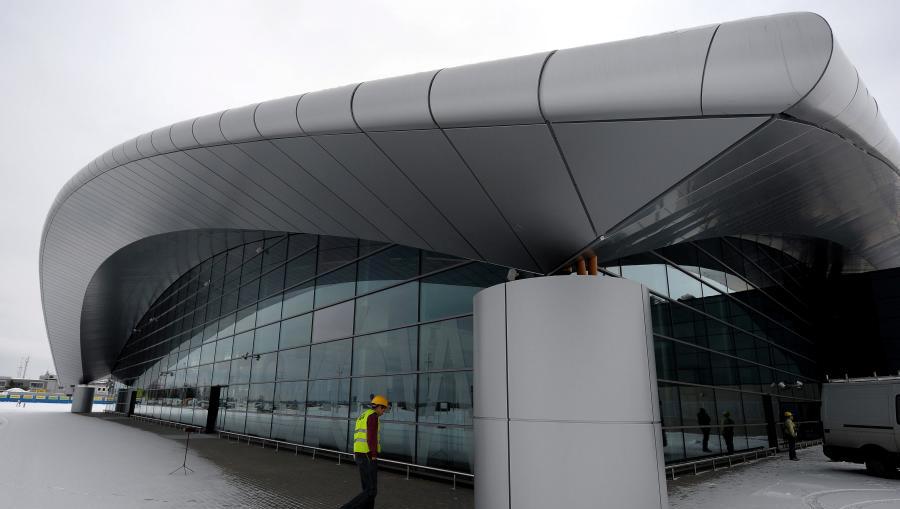 001-jasionka-airport-rzeszow-poland-larson-fr-silver